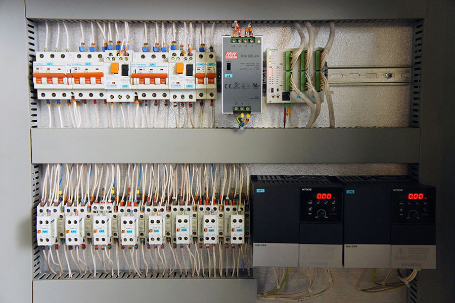 Система управления насосной станцией - пульт управления 2
