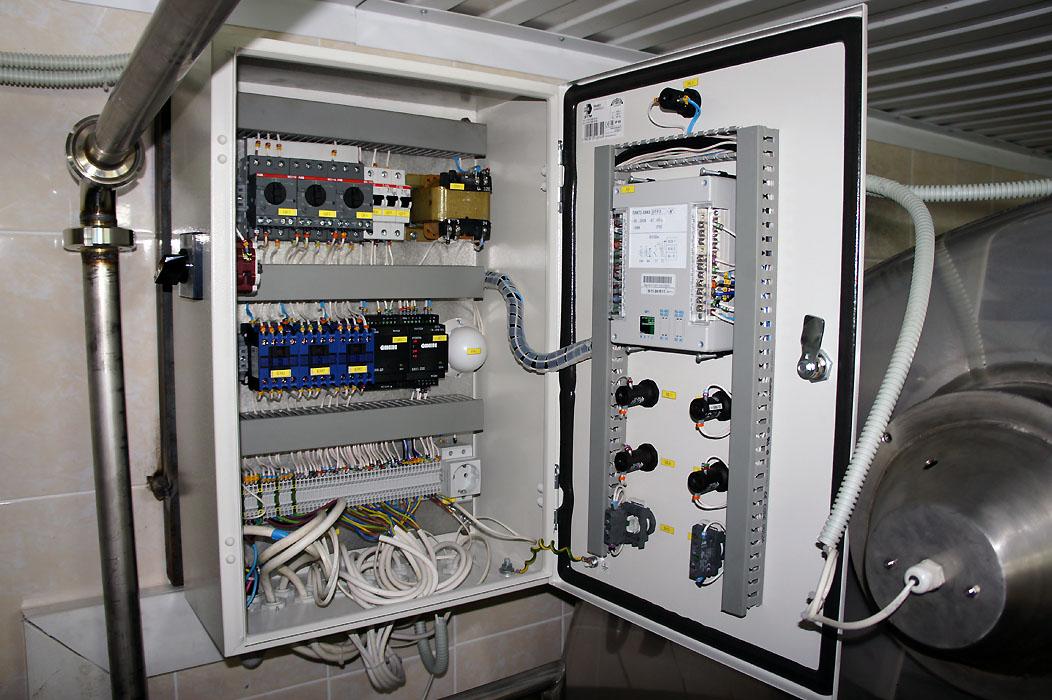 АСУ ТП двух емкостей хранения и моечной станции - пульт управления 2